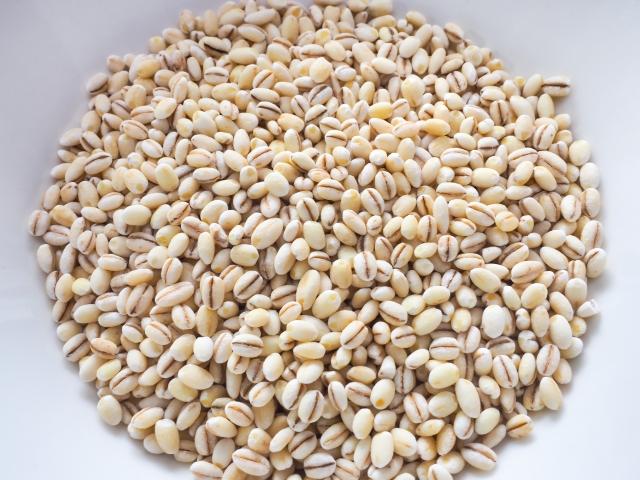 もち麦は国産、外国産どちらを販売しています。