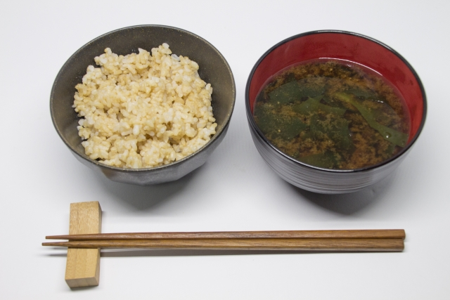 玄米って体に良いの?悪いの?どっちなの?